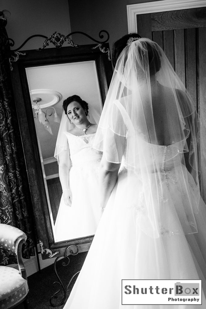 gavin-lauren-wedding_112_copy-right_shutterbox-photography-bw-2_copy-right_shutterbox-photography_stamford_studio_photographer_lyndsay-ford_facebook_colour